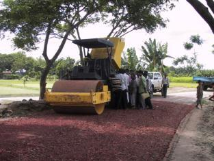 Road maintenance work Bangladesh.jpg